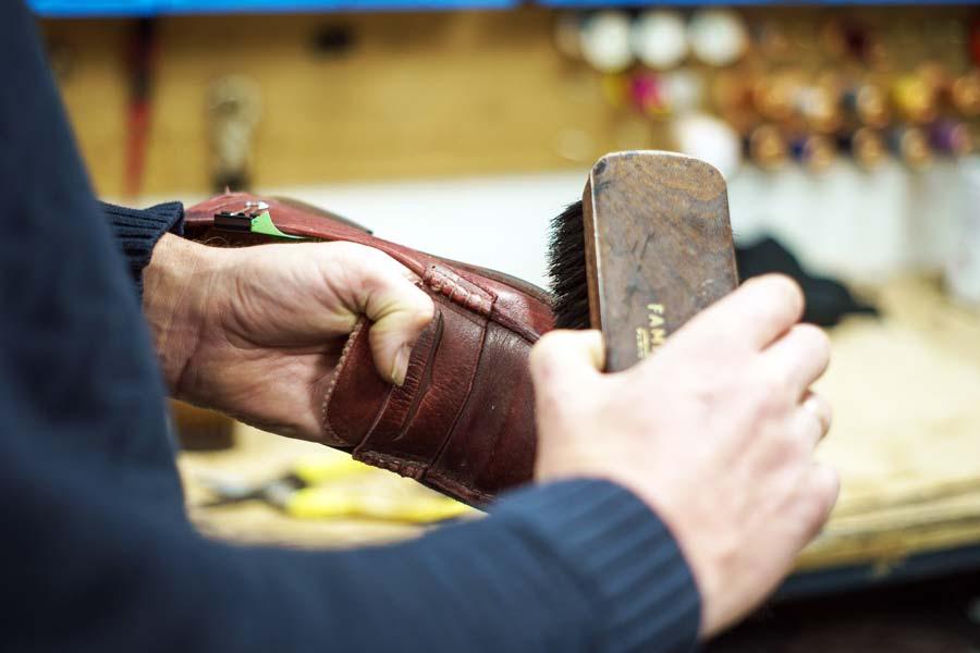 schoen poetsen schoenmakerij Groningen